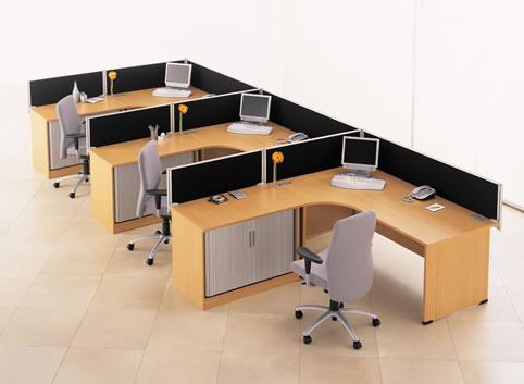 Vách ngăn phân chia không gian từng cá nhân.